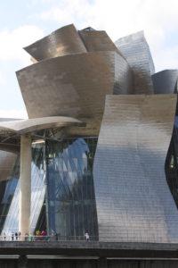 Guggenheim_Museum,_Bilbao,_July_2010_(07)
